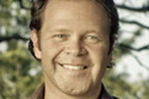 Troy Cassar-Daley - Headline Artists