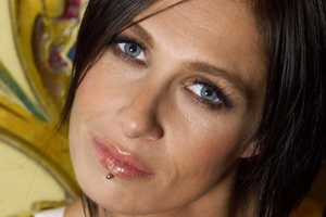 Speakers related to Samantha Jade: Kasey Chambers