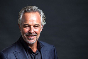Speakers related to James Bracey: Cameron Daddo