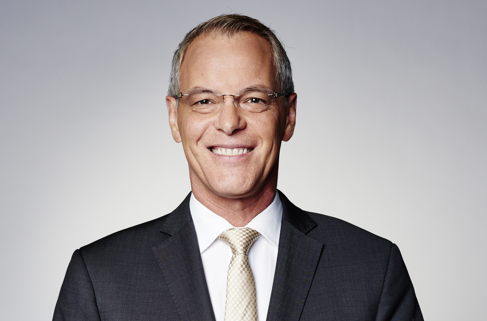 Simon Dallow