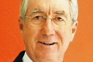 Noel Whittaker - Economy and Finance Speakers